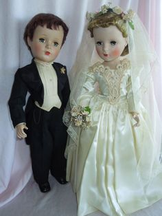 Vintage Madame Alexander bride and groom