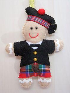 Felt Christmas Gingerbread Man Kilt Scotland by AppledoorStudio Celtic Christmas, Christmas Gingerbread Men, Tartan Christmas, Christmas Gifts To Make, Felt Ornaments, Diy Christmas Ornaments, Christmas Decorations, Ornaments Ideas, Christmas In Scotland