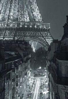 << travel :: eiffel tower, paris, france >>