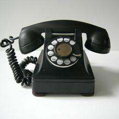 Vintage Phone: I love this vintage phone!