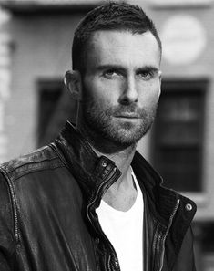 Repost from It was always you. Adam Levine Haircut, Adam Levine Beard, Dusty Rose Levine, Adam Levine Style, Famous Singers, Maroon 5, Pure Beauty, Haircuts For Men, Short Hair Cuts