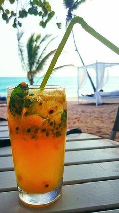 Schöner All inclusive Urlaub an einem traumhaften Strand in der Domenikanischen Republik Bayahibe Karibik. Genießt leckere Cocktails, die frisch zubereitet werden, an einem der traumhaftesten Strände der Domenikanischen Republik. Genauer gesagt in Bayahibe. Die Aussicht ist wunderschön und lädt zum relaxen ein. Einfach mal die Seele baumeln lassen, frei von Stress und Alltag.  Jebnij Bassem  https://plus.google.com/u/0/b/115997940742696245266/115997940742696245266/posts…