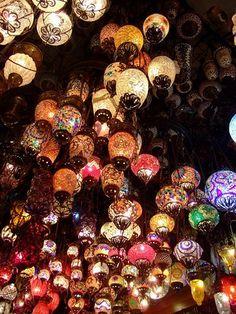 To see the Turkish lanterns Turkish Lanterns, Turkish Lamps, Moroccan Lamp, Turkish Cafe, Home Decor Lights, Under The Lights, Hanging Lanterns, Yard Design, Pretty Lights