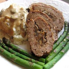 Meatloaf Stuffed with Mushrooms Recipe - A wonderful recipe for Father's Day Dinner. Recipe for Polish Meatloaf Stuffed with Mushrooms or Klops Nadziewany Grzybami Meatloaf Recipes, Beef Recipes, Cooking Recipes, German Recipes, Austrian Recipes, Dutch Recipes, Sausage Recipes, Sauerkraut, Polish Recipes