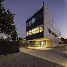 Gallery of Multicarpet Rollux Showroom / +arquitectos - 6
