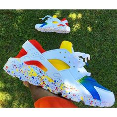 Tie Dye Nike Air Huarache Splat Sole Customs Unisex. ($202) ❤ liked on Polyvore featuring shoes, dark olive, sneakers & athletic shoes, tie sneakers, unisex adult shoes, genuine leather shoes, tie shoes, tie-dye shoes, real leather shoes and tie dye shoes