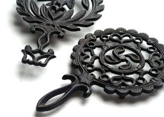Vintage Cast Iron Trivets Eagle Heart and by RinnovatoVintage, $18.00