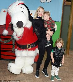 Family's all here! Jaime King kicked off the Christmas cheer with a visit to Knott's Berry...