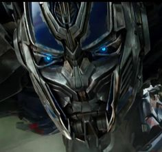 I am sorry, it is just that I am a sucker for Optimus's eyes… not to meant ion Bumblebee's… man, I just love all their eyes