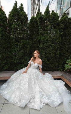 Cute Wedding Dress, Dream Wedding Dresses, Designer Wedding Dresses, Kleinfeld Wedding Dresses, Ballgown Wedding Dress, Wedding Ball Gowns, Romantic Wedding Dresses, Rapunzel Wedding Dress, Extravagant Wedding Dresses