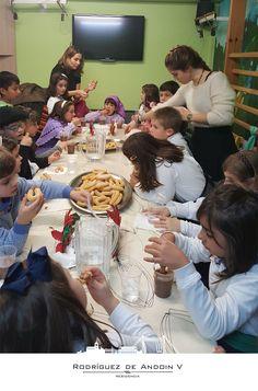 ¡Qué bien lo pasamos en #Residencia Rodríguez de #AndoinV en #Navidad! Os dejamos con unas imágenes de la visita del Coro Parroquia Inmaculada de #Santurtzi... ¡No hay que perder nunca las buenas costumbres! ;-) -- #envejecimientoactivo #residencia #Andoin #mayores #personasmayores #terceraedad #salud #Euskadi #Santurce #Santurtzi #Navidad #Navidades