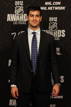 Montreal Canadiens forward Max Pacioretty Montreal Canadiens, Max Pacioretty, Tyler Seguin, Vegas Golden Knights, Handsome Faces, Boston Bruins, Club, Hockey Players, Attractive Men