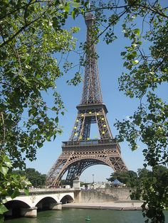 La Tour Eiffel  It is so beautiful. I've been there