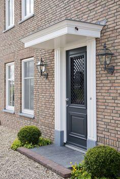 Terrific ideas to experiment with The Doors, Entry Doors, Front Doors, Door Steps, Main Door, London Photos, Room Wallpaper, Front Porch, Facade