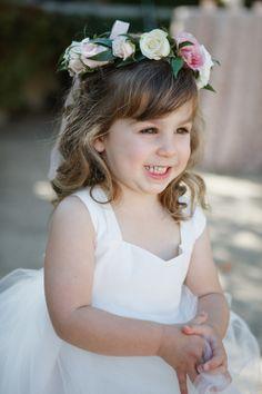 SO CUTE! http://www.stylemepretty.com/little-black-book-blog/2015/05/13/glamorous-romantic-sonoma-summer-wedding/ | Photography: Allyson Wiley - http://www.allysonwiley.com/