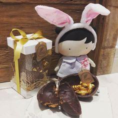 Já tem Coelho por aqui !  #pascoa #pascoa2017 #chocolate #chocolatebelga #patriciaitioka #antonella #voumeacabar #doce  #quesejadoce #muitofeliz #amor  #muitoamorenvolvido #coelho #coelhinho #docedeleite #bomdemais # #callebaut #loucura #lindeza #ovo #ovosdepascoa #adoceavida #easter #abraceumasorella #sorella #doação