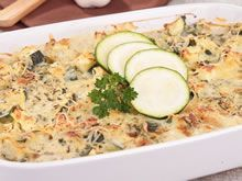 ovenschotel met courgette Cooking For Dummies, Zucchini, Vegetarian Recipes, Buffet, Easy Meals, Favorite Recipes, Vegetables, Drinks, Food