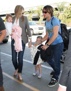 Keith Urban - Nicole Kidman Takes Flight With Her Family 2