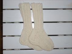Socken - Zarte Baby Kniestrümpfe 0-3Mon. 100% Coolwool - ein Designerstück von…