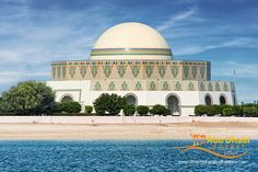 The-Abu-Dhabi-Theatre