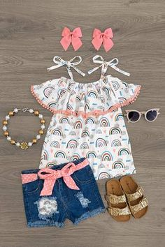 Ready for your little one to sparkle ✨? Little Girl Closet, Little Girl Outfits, Little Girl Fashion, Toddler Girl Outfits, Kids Outfits, Kids Fashion, Short Tops, Short Set, Cute Swag Outfits