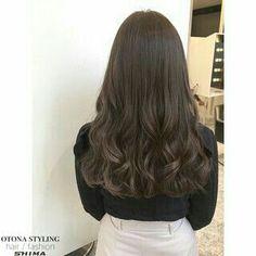 Haircuts Straight Hair, Long Hair Cuts, Ash Blonde Hair, Dark Hair, Asian Hair Wavy, Korean Hair Color, Ulzzang Hair, Bridal Hair Buns, Pelo Afro