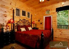 Queen of Gatlinburg - Welcome! This cabin features a hot tub, home theater, three levels of decks with plenty of Rocking Chairs, foosball, pool table... and the list goes on! This 5 bedroom cabin sleeps 14 and is perfect for your next trip to the Smokies! #groupcabin