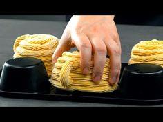 Inyecta la masa en el exterior del molde de muffins. Una delicia española en formato especial - YouTube Churros, Muffins, Brunch, Desserts, Desert Recipes, Spanish, Pasta, Cook, Gastronomia