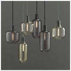 De #AMP designlampen zijn ontworpen door Simon Legald voor #NormannCopenhagen. De glazen lampen zijn verkrijgbaar in twee afmetingen en kleuren glas en vooral in combinatie vormen ze een prachtig geheel! Koop deze #designverlichting bij #MisterDesign
