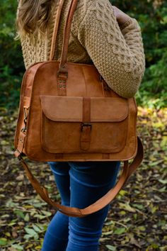 Brown natural goat leather holdall, gym, weekend, nappy, diaper, baby bag fairtrade and handmade. Slow Fashion.