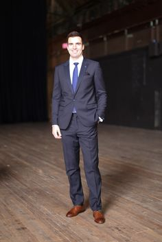 Joe Flacco, dressing like a [Superbowl] champ. Humans Of New York, Champs, Mens Suits, Super Bowl, Nfl, Dressing, Sport Coats, Mens Fashion, Ravens