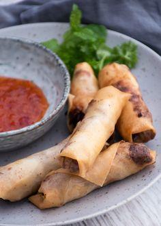 Yummy Eats, Yummy Food, Pita Wrap, Viet Food, Danish Food, Asian Recipes, Ethnic Recipes, Spring Rolls, Appetisers