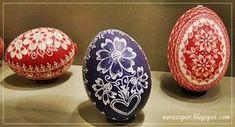 Varázspor: Karcolt hímes tojások Ukrainian Easter Eggs, Ukrainian Art, Egg Basket, Decorative Plates, Applique, Blog, Paintings, Easter Eggs, Wood