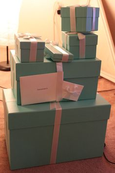 Cant go wrong with a luxury gift from Tiffany & Co. Cant go wrong with a luxury gift from Tiffany & Co. Tiffany Gifts, Tiffany & Co., Birthday Goals, Applis Photo, Ideias Diy, Luxe Life, Blue Box, Shopping Spree, Girls Dream