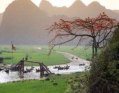 Perfume River, Vietnam;  www.handspan.de, customized travel to Vietnam, Cambodia and Laos