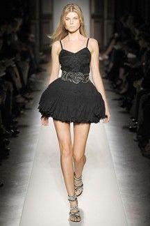 Balmain Parigi - Spring Summer 2009 Ready-To-Wear - Shows - Vogue. Lbd, Christophe Decarnin, Fashion Runway Show, Balmain Collection, Hoop Skirt, Glitz And Glam, Beautiful Gowns, Ready To Wear, Dress Up