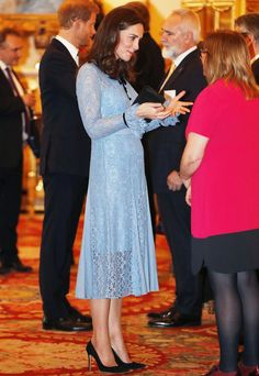 health campaign Kate Middleton style: All the times the Duchess of Cambridge wore Temperley London Style Kate Middleton, Duchesse Kate, Temperley London Dress, Princesse Kate Middleton, Third Pregnancy, Pregnancy Style, Prince William And Kate, William Kate, Princess Charlotte