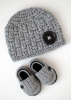 Ravelry: SeriouslyDaisies' Little Button Loafers
