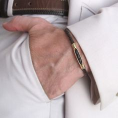 Braun Flechtarmband. Unisex Lederarmreif von NadinArtDesign auf DaWanda.com