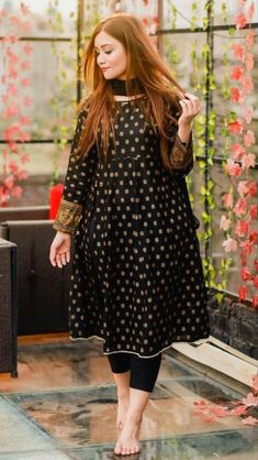 Pakistani Fashion Party Wear, Indian Fashion Dresses, Dress Indian Style, Indian Designer Outfits, Designer Dresses, Fancy Dress Design, Girls Frock Design, Stylish Dress Designs, Beautiful Pakistani Dresses