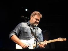 Vince Gill, Country Music Singers, Stars, Fictional Characters, Sterne, Fantasy Characters, Star, Country Music Stars