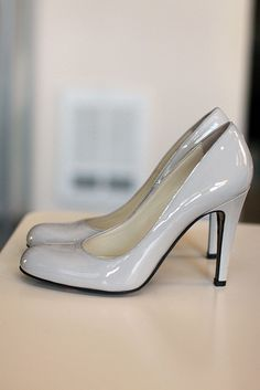 gray patent leather heels... These would Look cute with my bridesmaid dresses!