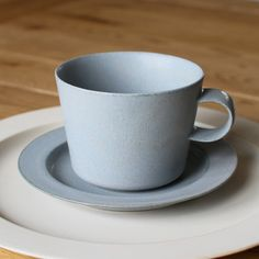 Cup and Gouter Unjour Matin in Smoke Blue by Yumiko iihoshi