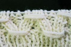 Käsityöohje: Rypytetty joustinneule Knitting Stiches, Knitting Socks, Knitting Patterns, Knitting Tutorials, Knitting Ideas, Merino Wool Blanket, Mittens, Needlework, Knit Crochet