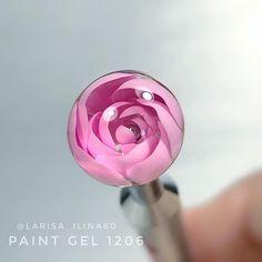 Эксперименты с лепестками в технике #CandyBall  Замороченно, но смотрится очень интересно Не видели урок? Посмотрите ниже на моей страничке⬇️ пост с сиреневыми ногтями. #bubbleflower #bubbleflowers