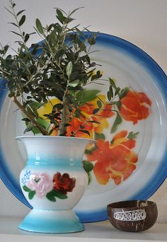 big #enamel plate & #enamel #vase In my home
