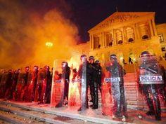 """noticias movimentos populares  14 de Novembro: IGAI pediu ajuda aos manifestantes para identificar """"infracções"""" da PSP"""