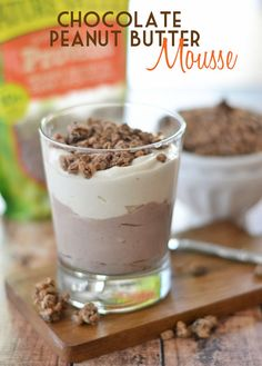 This quick and easy Chocolate Peanut Butter Mousse is the perfect start to your day - it's packed with protein and is an awesome way to stay satisfied throughout your morning! #naturevalleygranola