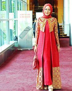 Long dress with matching overcoat hijab style Hijab Abaya, Kebaya Hijab, Kebaya Dress, Dress Pesta, Kebaya Muslim, Muslim Dress, Hijab Dress, Hijab Wear, Batik Fashion