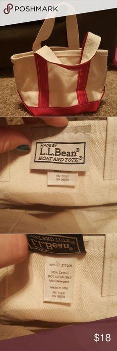 LL BEAN Mini Tote NWT. Red & white. L.L. Bean Bags Totes